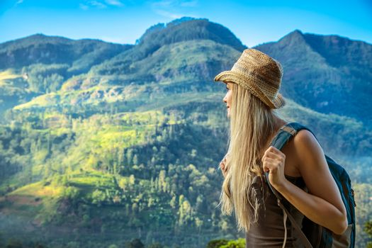 Woman traveling to Sri Lanka
