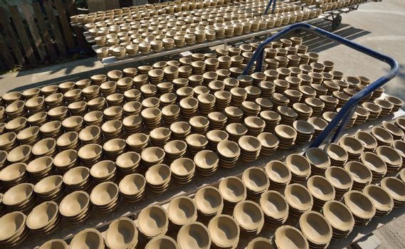 Ceramic cup  for bring in furnace in factory