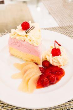 Strawberry Ice cream cake with fruit
