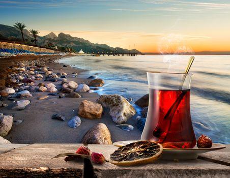 Sea and turkish tea