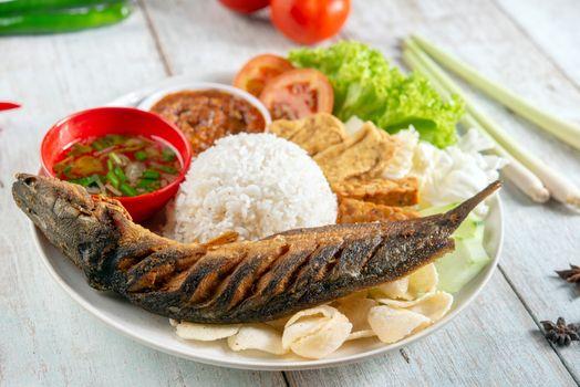 Fried catfish rice with sambal