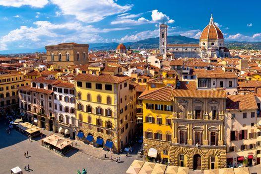 Florence square and cathedral di Santa Maria del Fiore or Duomo