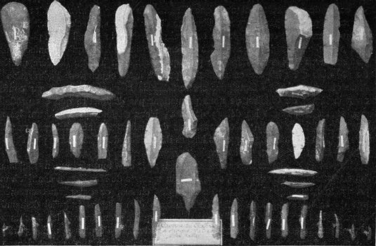 Fine flint knives from places of discovery of the posterior dilu