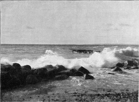 Breakers on a flat coast, vintage engraved illustration. From the Universe and Humanity, 1910.