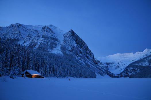 Lake Louise sunrise in Winter
