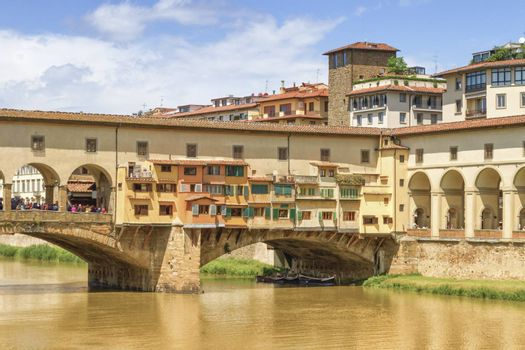 Ponte vecchio by day, Florence or Firenze, Italia