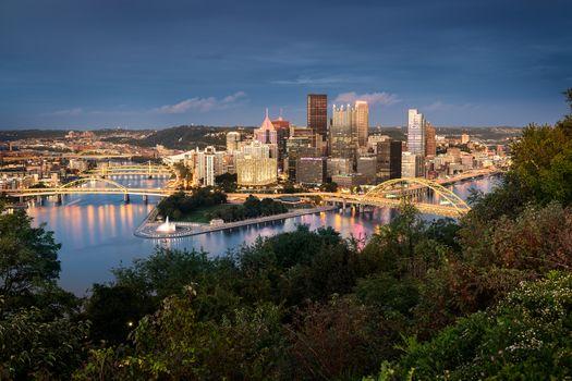Pittsburgh skyline by night