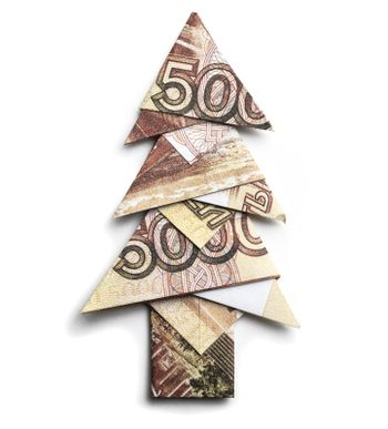 5000 Russian rubles in the form of a Christmas tree on a white background.