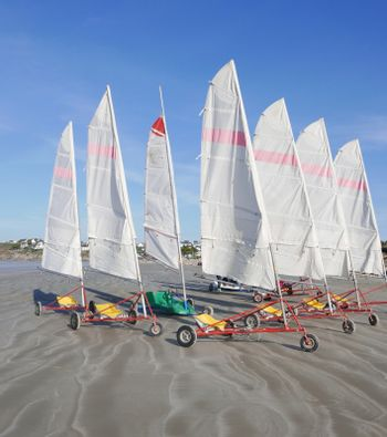 sand yachting on the beach of Pentrez in finistere