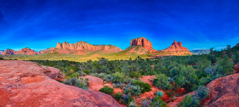 Pamorama of Bell Rock, Courthouse Butte, and Munds Moutain Wilde