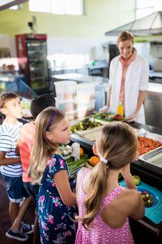 Cooker serving children