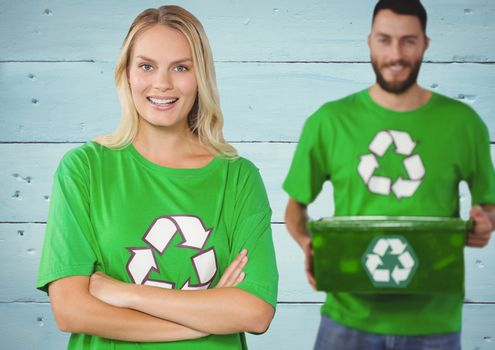 Couple for volunteer recycling