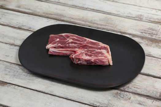 Blade chop in black tray