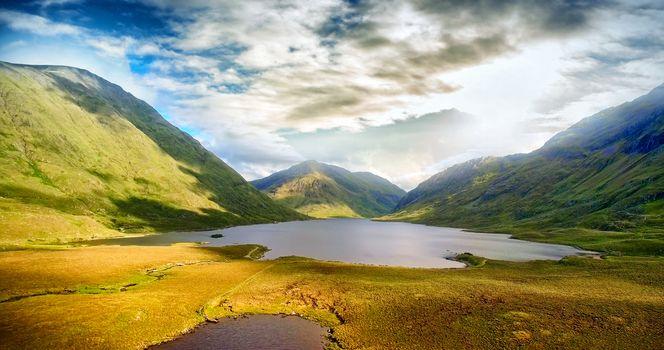 Idyllic view of lake and mountains