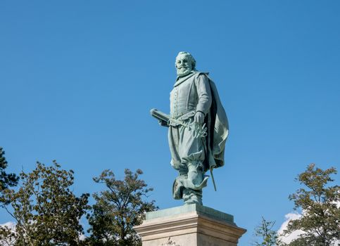 Statue to Captain John Smith unveiled in 1909 in Jamestown Settlement in Virginia