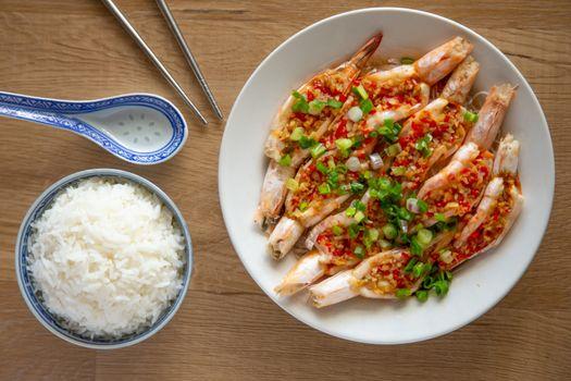 steam prawn with garlic and chilli