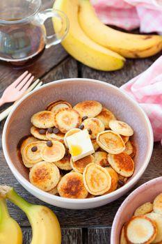 Pancake cereal, mini pancakes