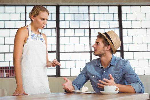 Argument between a waitress and a client