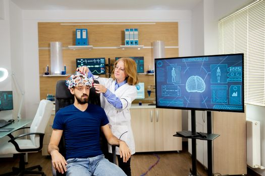 Doctor tracking data transmitted by brainwaves scanning headset