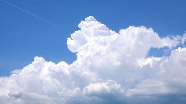 Cumulus congestus pileus cloud background