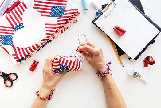 USA Independence Day DIY craft. DIY 4th of July step by step needle holder craft. Step 9 - sewing the gap