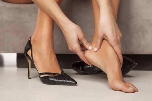 massage tired feet