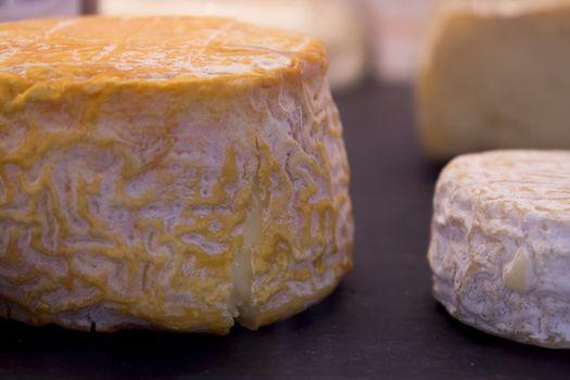 Large group of various cheese. Fotografía de Gema Ibarra. Prohibida su utilización para cualquier uso sin autorización.Todos los derechos reservados.