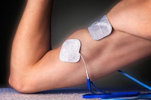 Electro stimulation biceps