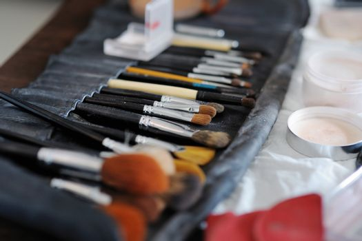 Some makeup brushes and accessories
