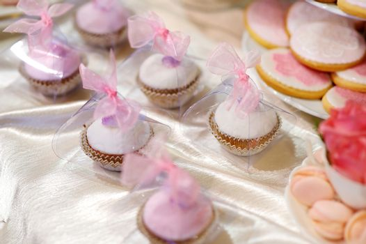 Wedding cupcakes in pink and purple