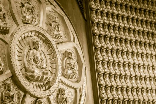 Beautiful Rows Of Golden Buddha Statues, Buddha series on the walat Wat Leng Nei Yi 2 in Nonthaburi, Thailand