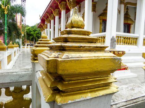 Lotus pillar head