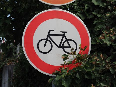 no entry sign for bicycles