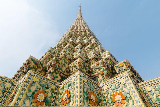 Phra Maha Chedi Si Rajakarn buddhist temple in Bangkok, Thailand