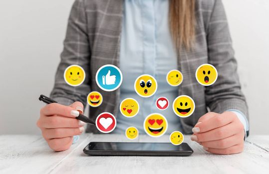 Social Media Communication Chat Messages Blank Speech Bubble Flat Icon