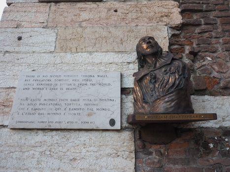 Shakespeare bronze bust in Verona