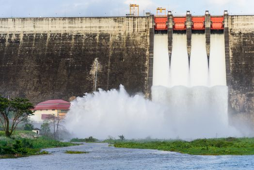 Khun Dan Prakarn Chon Dam has opening the gate for flowing the w