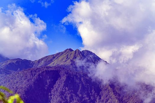 Fansipan Mountain is located south-west of Sapa Townlet in the Hoang Lien Mountain Range.