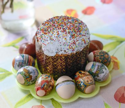 Easter cake and colored eggs. Orthodox Easter.