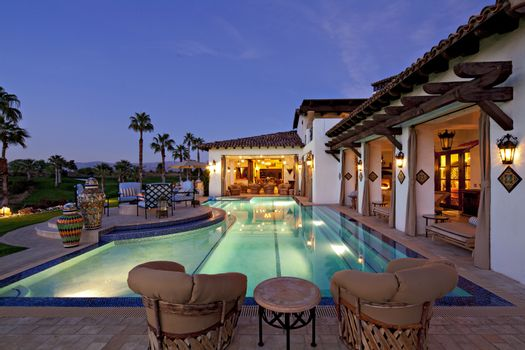 Lighting effect in swimming pool of mansion