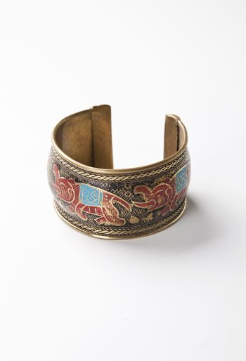 Bracelet with print of elephants over white background