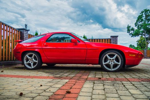 Porsche 928 - Luxury Grand Tourer Produced by Porsche AG from 1978 to 1995