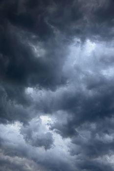 vertical cloudy texture