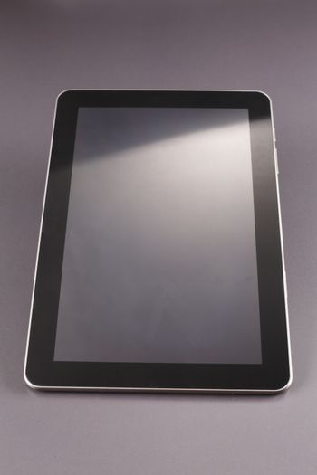 Digital tablet with empty screen