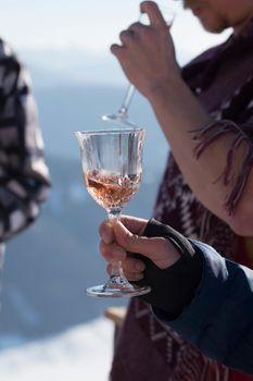 alcohol consumption at ski lodges, après ski