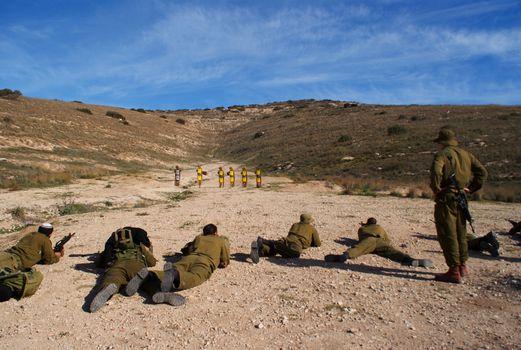 israeli soldiers training