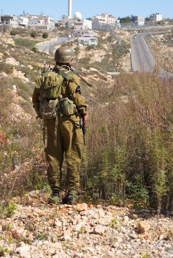 Israeli soldier patrol in West Bank fight with terrorist