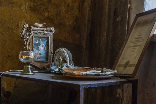beautiful old objects on a table in a room of a house