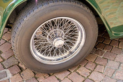 spoke wheel of an oldtimer