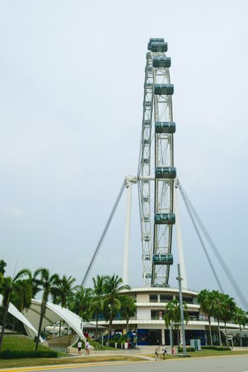 Singapore flyer The world's tallest Ferris wheel you can see the view of Singapore 360deegree.